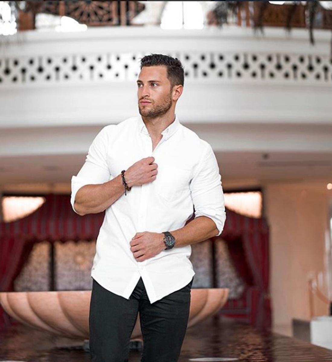 2bed19964125 10 tips για να φορέσεις σωστά το λευκό σου πουκάμισο! - Activeman