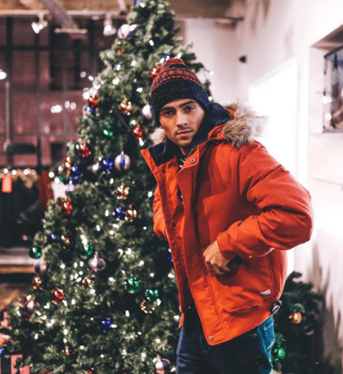 fad09b480322 Έτσι θα πρωτοτυπήσεις στο ντύσιμο το βράδυ των Χριστουγέννων - Activeman